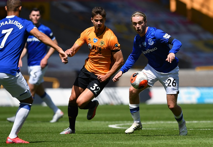 Everton host Wolves on Wednesday night knowing that they need all 3 points if they are to keep their hopes of European football alive.