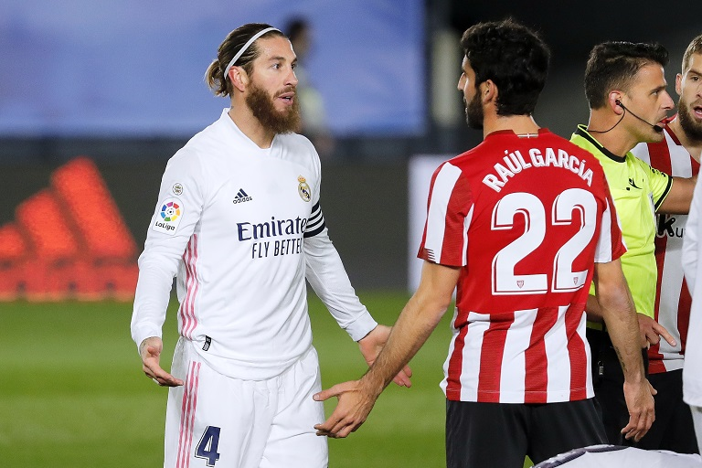 Real Madrid host Villarreal knowing that they need a win to keep their chances of retaining the La Liga title alive.