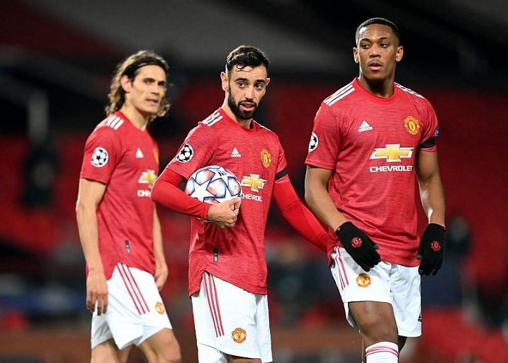Manchester United host Leicester City on Tuesday night hoping to extend their unbeaten English Premier League run to 15 matches.