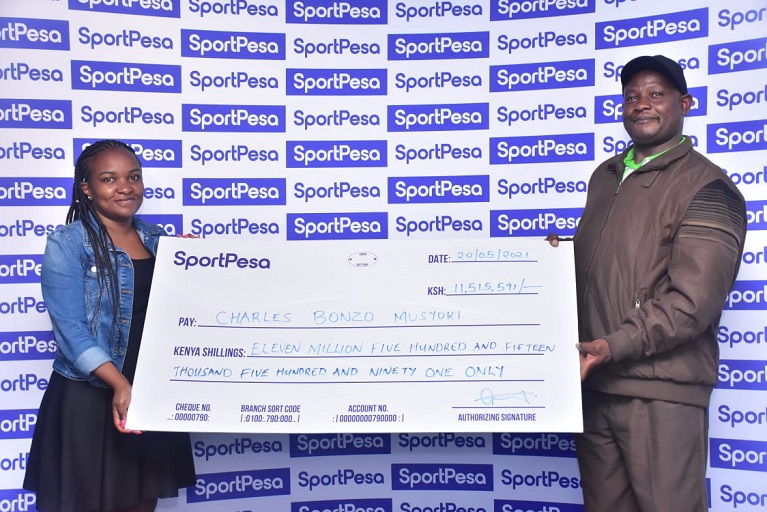 Charles Musyoki, who won the SportPesa Midweek Jackpot, has tipped his side Chelsea to win the upcoming UEFA Champions League final.
