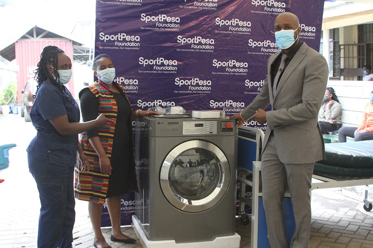 The SportPesa Foundation community development train made another stop at the Lunga Lunga Health Centre on Friday morning.