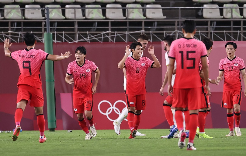 Every team in Group B is tied with 3 points as they go into the last game before the quarterfinals of the mens football at the Tokyo 2020 Olympics.