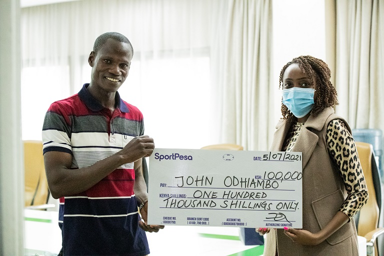 John Omiti became the latest winner in SportPesa's Jijenge na Euros campaign after he was picked as the weekly winner of KSHs 100,000.