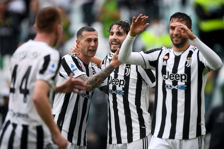 Juventus will host UEFA Champions League holders Chelsea on Wednesday night in a mouthwatering Group H encounter.